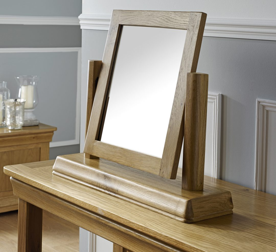 Dressing Table Mirror Close